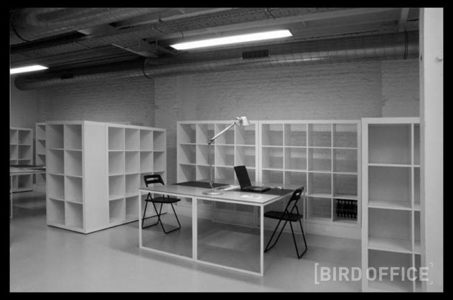 louer bureau individuel tout quip dans un open space pour deux pas de la gare du midi. Black Bedroom Furniture Sets. Home Design Ideas