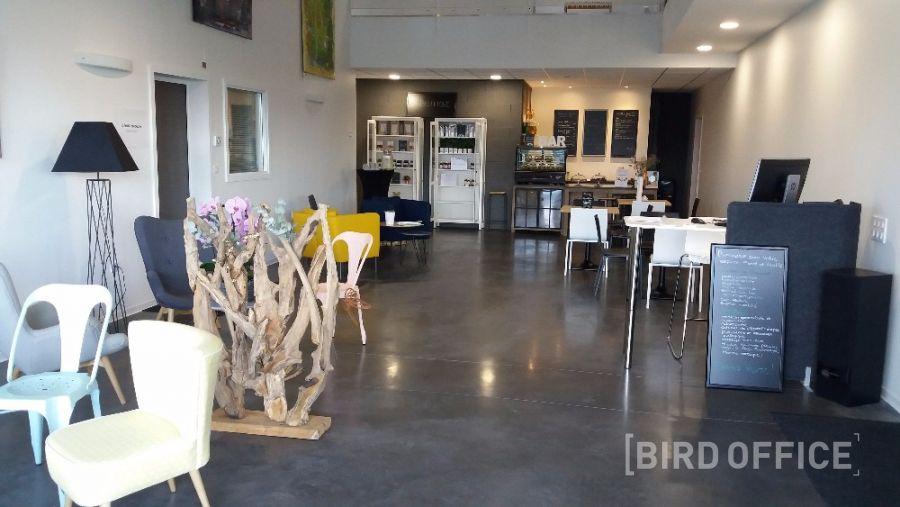 espace idéal pour tout événement professionnel : Bar et cuisine, 94m²